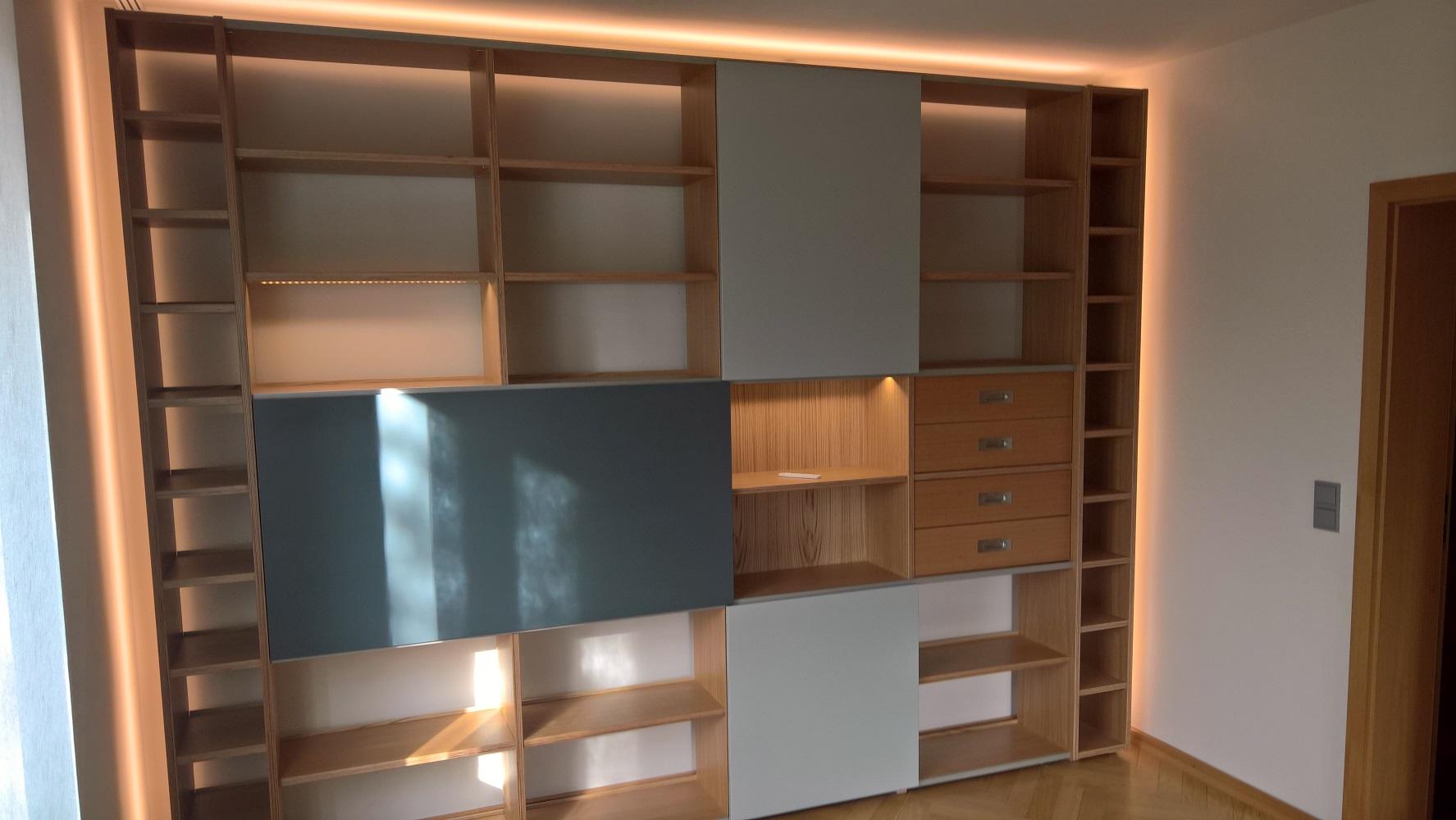 Wohnzimmermöbel in Eiche | Tischlerei Braune